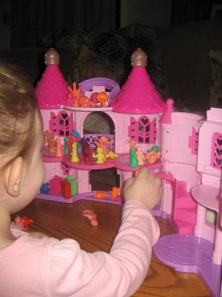 M.U.S.C.L.E. Princess Castle