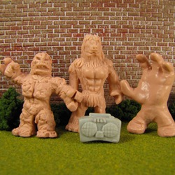 art300 HACK Art 300 – M.U.S.C.L.E.'s Big Impact on Little Figures (Modern Mini Figures)